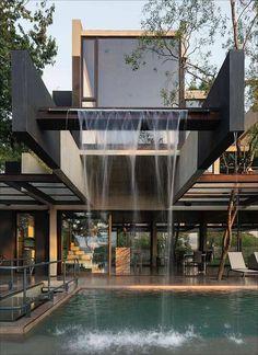 100 beeindruckende Hillside House Design Modelle 14 ~ Top Home Design - Diy Exterior, Exterior Design, Dream Home Design, Modern House Design, Style At Home, Hillside House, Modern Mansion, Storey Homes, Mansions Homes