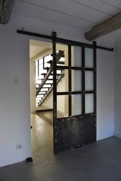 Villa VS / T3 architecture    beautiful industrial door    (Source: qenbleu)