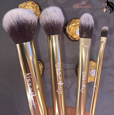 Be beautiful: KissEmoji Brushes - Real Techniques dupe?