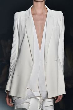 Haider ackermann spring 2015 white jacket with choppy layered panels; fashion details blessed t shirt White Fashion, Look Fashion, Fashion Details, Runway Fashion, Womens Fashion, Fashion Design, Paris Fashion, Fashion Spring, Street Fashion