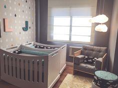 quarto de bebê, quarto menino, decoração, almofadas, berço, gêmeos #menino #nossosprodutos #projetodegente #personalidade #decoração #papeldeparede #quartoinfantil #quartobebê #designforkids #berço #almofadas #luminárias #brinquedos #quadros