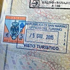Aquele momento em que você ganha um carimbo novo no passaporte Hoje foi dia de dar um pulo no Mar Adriático e agora estou em #SanMarino. Quem for visitar o país e quiser carimbar o passaporte é só passar no centro de informações turísticas que eles carimbam - Instagram by vontadedeviajar