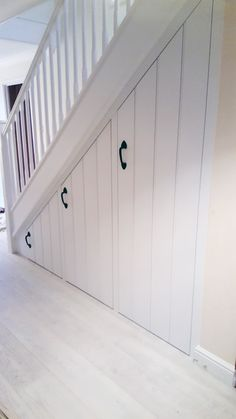 Neat neat neat! Understairs storage solution - Mark Williamson Furniture - bespoke fitted and freestanding furniture Buckinghamshire Interior Design Under Stairs, Home Stairs Design, House Design, Staircase Storage, Stair Storage, Coat And Shoe Storage, Entrance Hall Decor, Open Plan Kitchen Dining Living, Under Stairs Cupboard