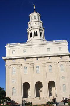 Nauvoo Temple Nauvoo Temple, Lds, Notre Dame, Building, Places, Travel, Lugares, Viajes, Buildings
