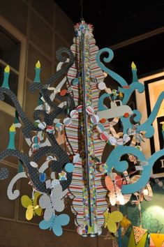 3D Paper Chandelier - ambitious!  Check out CreateForLess
