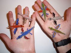 This guide will teach you how to make Dragons out of beads and wire! These make great charms or trinkets, can be converted into jewelery, key-chains, clips, etc. Beaded Crafts, Wire Crafts, Jewelry Crafts, Jewelry Art, Pony Bead Patterns, Beading Patterns, Animal Patterns, Beading Ideas, Bracelet Patterns