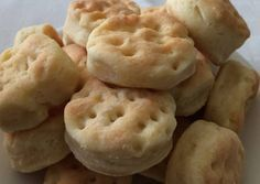 Bizcochito de grasa caseros Argentina Food, Low Carb Grocery, Salty Foods, Keto Food List, Pan Bread, Pastry And Bakery, Sin Gluten, Food Hacks, Cravings