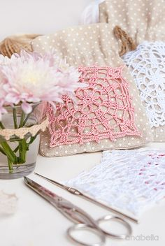 Вязание крючком lace motifs free patterns by Anabelia Craft Design Crochet Symbols, Crochet Flower Patterns, Crochet Chart, Crochet Motif, Crochet Doilies, Crochet Flowers, Crochet Stitches, Crochet Sachet, Crochet Snowflakes