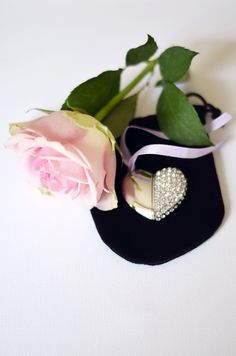 Luxury, digital, jewelled memory heart. 8GB USB Drive. The first couple  in Wales booking a wedding shoot ,with Steven Josty Photography for 2014, will have their photographs down loaded to the heart and receive the heart completely....... free.  www.sjostyphotography.co.uk
