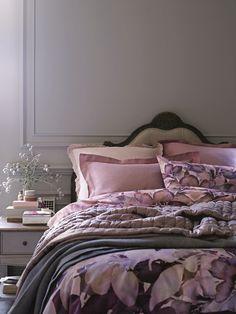 Pin by othello forty eight on dormir спальня, интерьер, изголовье. Cozy Bedroom, Master Bedroom, Bedroom Ideas, Luxury Bedroom Furniture, World Of Interiors, Autumn Home, Luxurious Bedrooms, Beautiful Interiors, House Colors