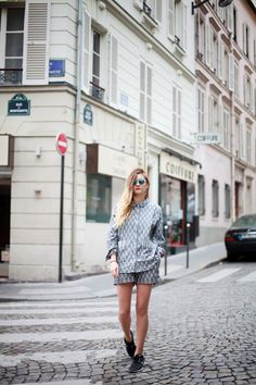 Adenorah, 23 years old, blogger from France & passionate about fashion: SUIT ADDICTION  #elevenparis #suit #summer #print #ikat #grey #shirt #shorts