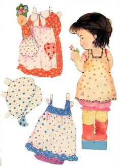 Childhood doll Amanda, early 1980s - papercat - Picasa Albums Web J'avais des poupées de cette série, avec des décalcomanies à ajouter sur chaque robe...
