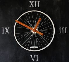 Never lose track of time with this repurposed bicycle wheel clock. It even calls for repurposed rulers for the hands! Get the tutorial at Thistlewood Farms. #upcycle #creative #reuse
