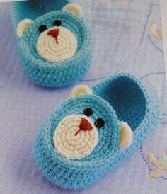Knit Baby Booties Patterns – Knitting And We Knit Baby Booties, Booties Crochet, Crochet Baby Clothes, Crochet Baby Shoes, Crochet Crafts, Crochet Projects, Baby Knitting Patterns, Crochet Patterns, Confection Au Crochet