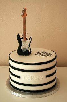 Electric guitar cake - by cakeali @ CakesDecor.com - cake decorating website