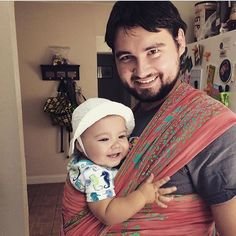 We love to see your #wrapsodydad pictures! Thanks @eaglass for sharing, These two are heading out for their morning walk. Papá opted to wear Mellie in our #Wrapsody breeze wrap. #wrapsodybreeze #wrapsodyhaumea #loveinmotion #babywearing -C