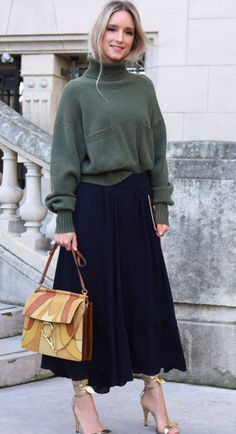 Chloe Street Style. Chloe Handbag. Paris Fashion Week. PFW. SS17. Spring Summer 2017.