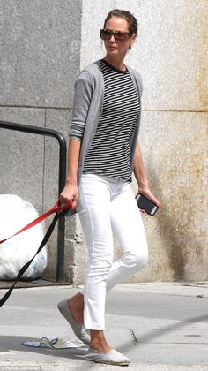 4e9b63ac549 Casual chic: The 45-year-old supermodel sported a black and white striped