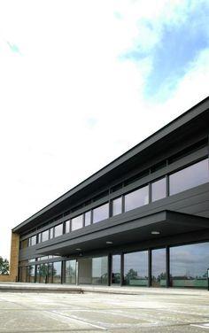 VMZINC #denmarkarchitecture Hospital in AAlborg (Denmark) by Cubo Arkitekter A/S   Installer: AE Stålmontage A/S, Copyright : VMZINC Scandinavia  #Denmark #Architecture #Zinc #VMZINC #Facade #AnthraZinc #Hospital #Bricks