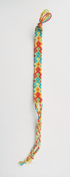 BraidsForBrains Arrowhead friendship bracelet! Bright colors and super fun for gifts!