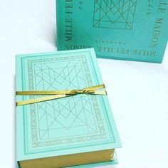 1,000円 お菓子 おしゃれ Brand Packaging, Box Packaging, Packaging Design, Japanese Sweets, Cute Japanese, Chocolate Packaging, Mint Green, Diy And Crafts, Decorative Boxes