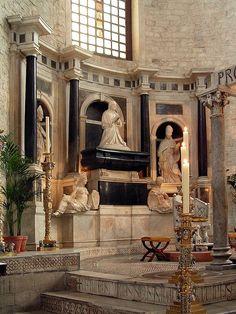 Bari basilica BonaSforza tomb - Bona Sforza – Wikipedia, wolna encyklopedia Polonia, Lituania, Bonito, Casas, Bari, Efigie, Arte En Italia, Siglo 16