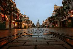 Small photo, but I love this view up Main Street, U.S.A. in Disneyland Paris. Wish I was there right now...