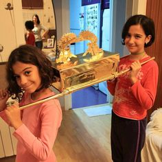 Building the ark of the covenant for family worship in Spain. Photo shared by @johnnyguitarrinchi