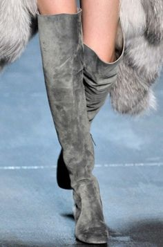 ❥ gray suede boots