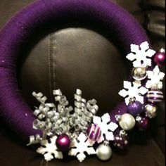 I want to make this Christmas Wreath but with dark blue instead of purple