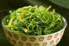 Ecco il metodo veloce per accelerare il metabolismo in menopausa Spirulina, Bar En Palette, Pasta Con Broccoli, Jen Selter, Pizza, Seaweed Salad, Gnocchi, Spinach, Sushi