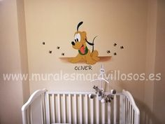 Mural infantil con Pluto bebé pintado en cuarto de recién nacido Ideas Habitaciones, Minnie, Disney, Madrid, Home Decor, Girl Rooms, Quartos, Bebe, Decoration Home