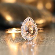 Handmade Pear Morganite Engagement Ring 14k Rose por LaMoreDesign