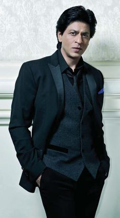 SRK - No one gets so elegant in a suit like Shahrukh!! <3