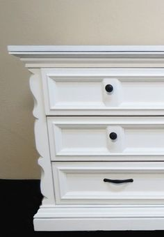 How to Create a Smooth Finish When Painting Furniture | Casual Crafter