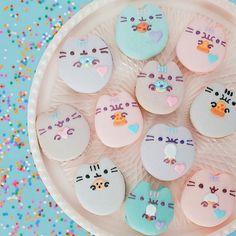 Still obsessed with these amazing Pastel Pusheen macarons! Pusheen Plush, Pusheen Cute, Pusheen Stuff, Pusheen Birthday, Cat Birthday, Birthday Cakes, Birthday Ideas, Cute Cakes, Yummy Cakes