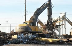 Doug Lindley/Idaho State Journal The Green T bar is going down quickly making way for new construction. #greent #chubbuck #oldbar #idaho #greentriangle