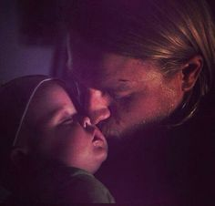 a picture of my future husband and kids ^_^ charlie hunnam <3