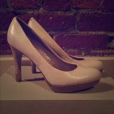 Banana Republic nude 'Kate' heels 7.5 Channel Princess Kate in these timeless nude heels by Banana Republic. The wooden heel and perfect shade of flush make these your go to pair for day or night. Lightly worn, but no scuffing or dirt on the uppers. Banana Republic Shoes Heels