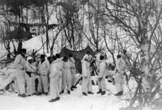 WW2 Norway 1940. Norwegian soldiers from 6th div in wintercamoflage, Troms 1940