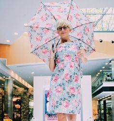 The cutest umbrella and dress! It's a shame the umbrella was one of those large ones that ya can't pack in your bag! @cathkidston_ltd @canary___wharf @fashionphotographyappreciation  I had so much fun shooting the dancing Summer Fashion Show @canary___wharf. The models and dancers were all awesome. Got a lot of lovely portraits and dancing shots... #canarywharf #canarywharfshoppingcentre #fashionshow #catwalk #models #model #portraiture #portraitpage #fashion #style #fashionphotography…