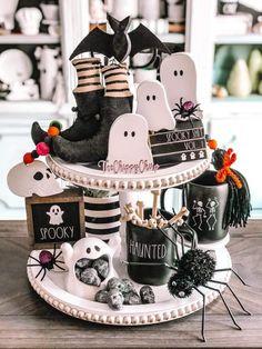 Halloween Room Decor, Halloween Kitchen, Halloween House, Cute Halloween, Halloween Crafts, Halloween Decorations, Halloween Season, Holidays Halloween, Fall Decor