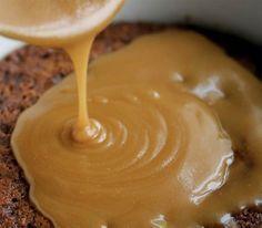 Sauce à l'érable. Maple Syrup Recipes, Caramel Recipes, Yummy Appetizers, Delicious Desserts, Cocktail Sausage Recipes, Sauce Au Caramel, Baking Recipes, Dessert Recipes, Ricardo Recipe