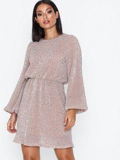 Tajt Klänning Excess Dress | madlady.se