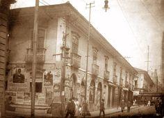 1910 - Rua de São Bento entre a rua Direita e rua da Quitanda - Palacete do Barão de Iguape pouco antes de sua demolição. Atualmente ali está o Edifício Barão de Iguape.