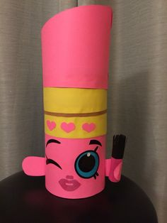 Shopkins Lippy Lips Valentine Box Made from an oatmeal container and cardstock.