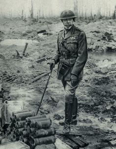 ClassicPics @History_Pics King George V at the Battlefield. Western front. 1917 pic.twitter.com/vECGhIOgJ0