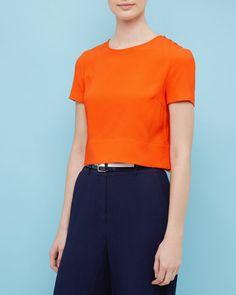 http://www.tedbaker.com/de/Damen/Kleidung/Tops-und-T-Shirts/KYNA-Kurztop-mit-berkreuzter-Rckseite-Orange/p/132145-85-ORANGE