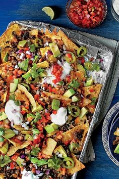 45 Fresh and Fabulous New Recipes Sheet Pan Nachos - 45 Fresh and Fabulous New Recipes - Southernliving. Low Carb Diets, Mexican Food Recipes, Beef Recipes, Cooking Recipes, Nacho Recipes, Cooking Ham, Hamburger Recipes, Best Nacho Recipe, Poblano