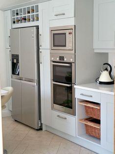 LG American style fridge-freezer in modern kitchen Kitchen Oven, Kitchen Units, Open Kitchen, Home Decor Kitchen, Kitchen Interior, Home Kitchens, Kitchen Ideas, American Style Fridge Freezer, American Fridge Freezers